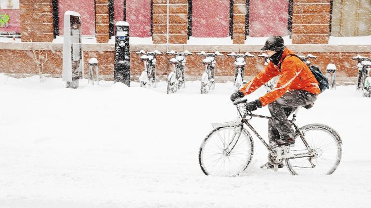 ct-cth-sc-cons-winter-biking-ng